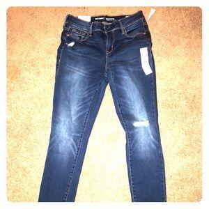NWT Old Navy Rockstar Super Skinny Distressed Jean